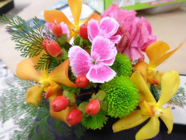 敬老の日ギフト日比谷花壇花と羊羹セット